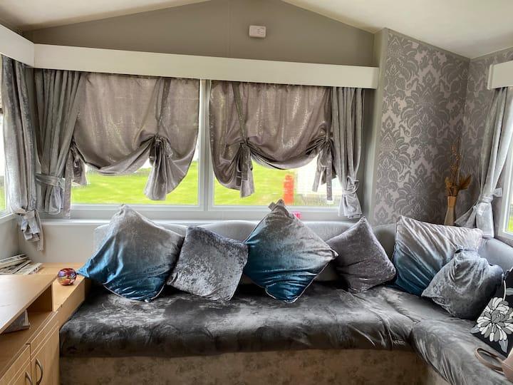 Static mobile home in seton sands Near Edinburgh
