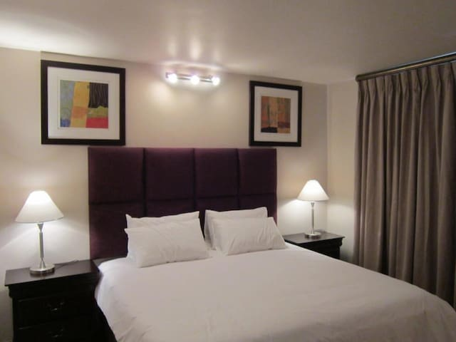 Marble Arch 2 bed Ground floor unit with Garden - Sandton - Apartmen