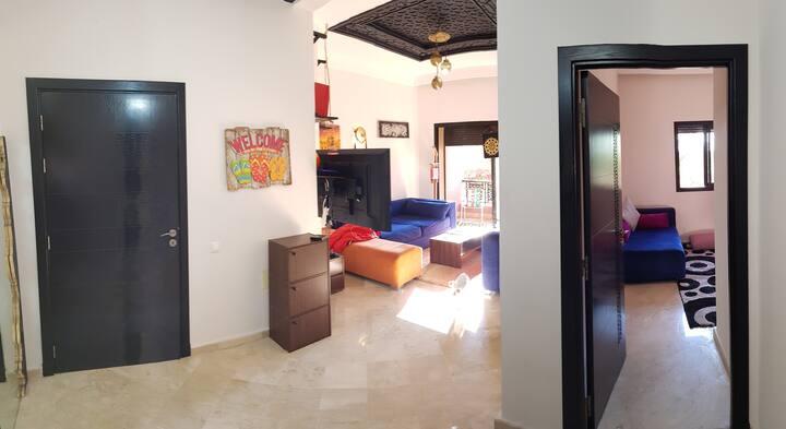 Appartement dans une oliveraie calme avec piscine