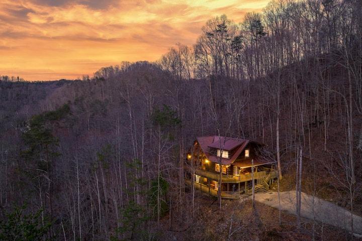 Cedarpalace Cabin Rental