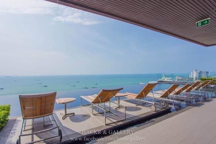 Centric Sea Pattaya 1BR Pools Sea View
