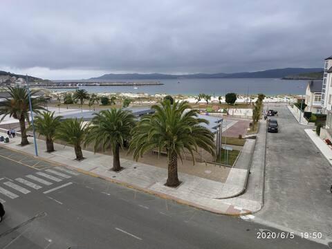 Apartamento Laxe con vistas al mar y playa