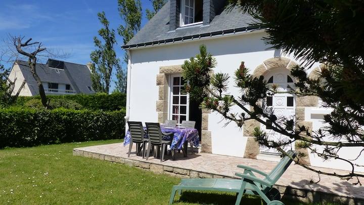 Breno, Belle Villa avec jardin clos proche plage-CA9002