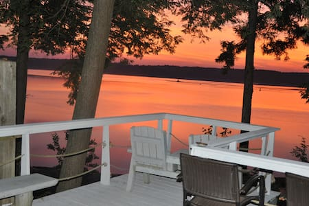 Private Beach, Sleeps 24, Reunions, Retreats, Pets