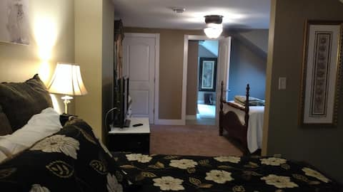 Upscale Prairie #1, 5 day min. 8 beds