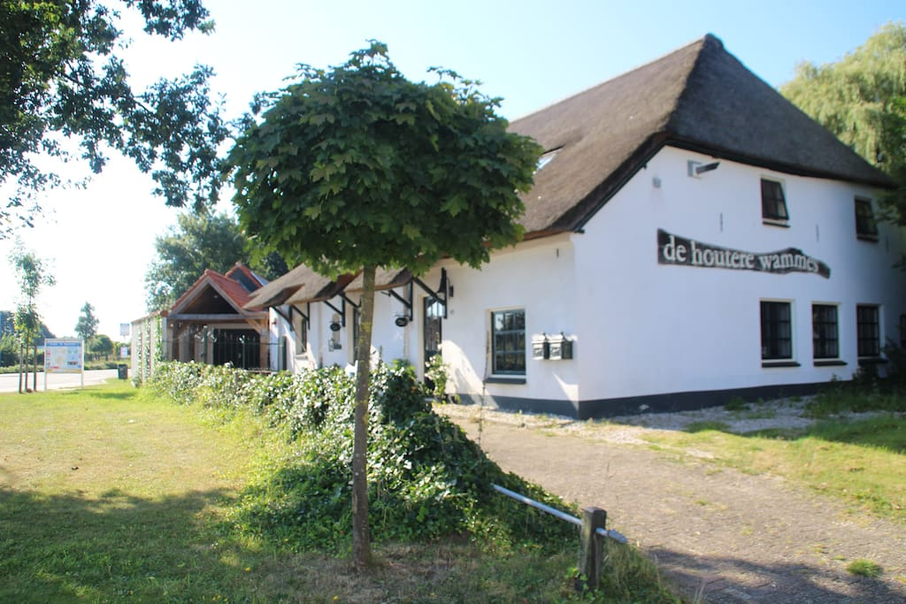 Zolderkamer luxe in karakteristieke woonboerderij bed for Woonboerderij te huur gelderland