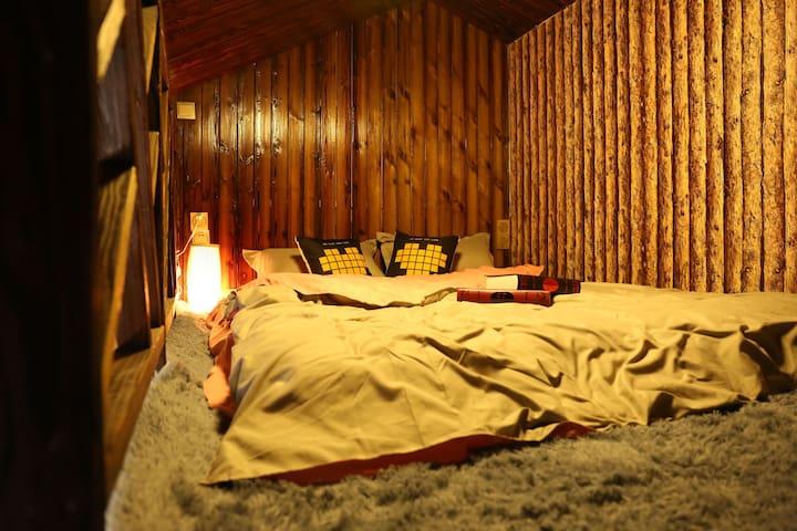 (苏舍56号)浪漫双人浴缸配家庭式影院