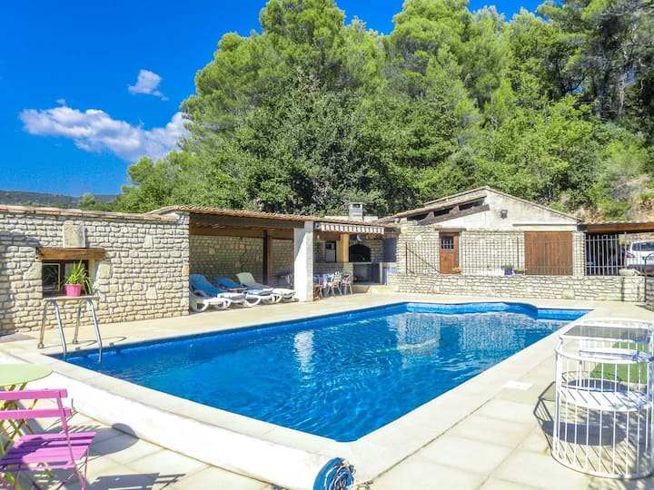 Holiday home in Luberon area, with A/C, pool child-safe, dogs allowed