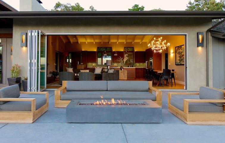 Serene, ocean-view, family home. - Montecito - Hus