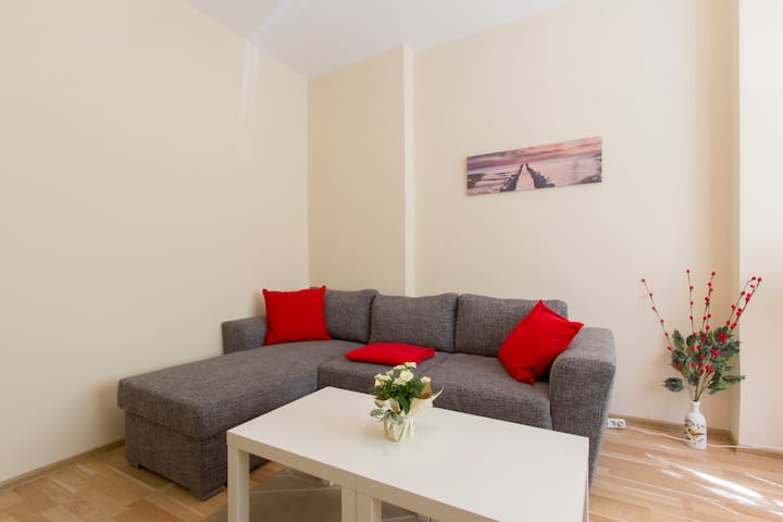 New! Varsano Chic Apartment