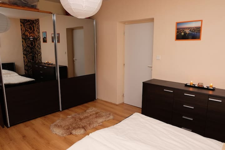 Cosy apartment close to the city center - Liberec - Departamento