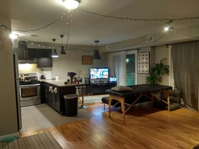 Private room in a big apartment with all amenities