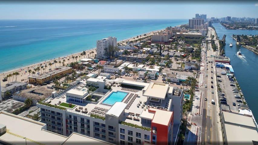 Luxury Dream Beachfront,  Amazing Amenities! S426