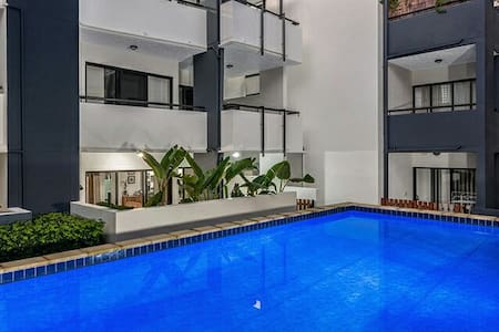 Trendy inner-city with pool - Brisbane City, Queensland, AU - Apartment