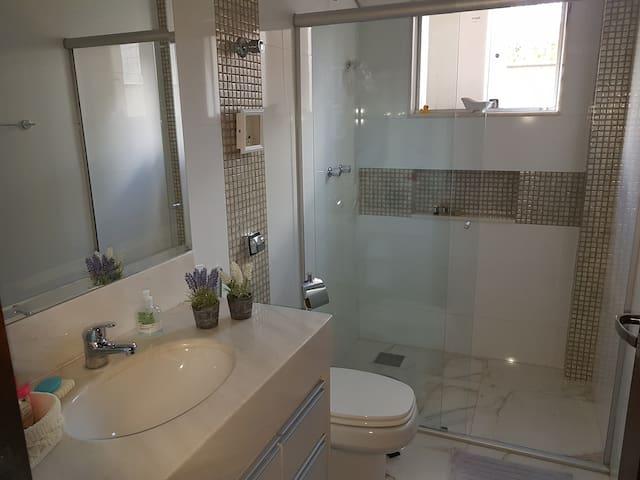 Apartamento novinho, aconchegante e muito limpo.