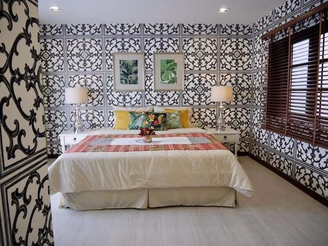 4-Bedroom Luxury Apartment on Changwattana Road
