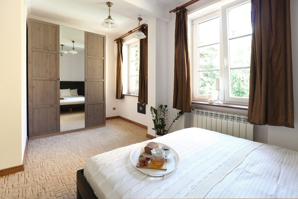 I like you to stay comfortably so i chose Queen-size bed (160x200), high quality mattress.. you can enjoy all day walking to be sure that you will have a good night sleep