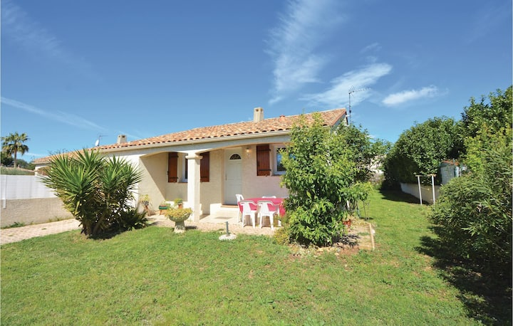 Beautiful home in Pignan with 3 Bedrooms