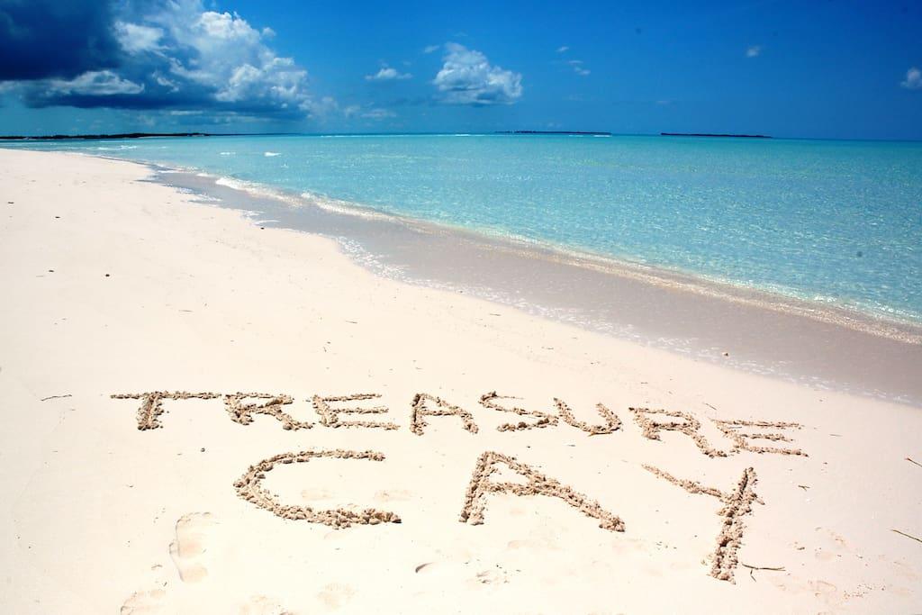 Treasure Cay beach and its pristine water