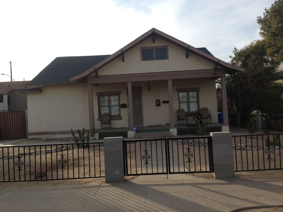 Private room in classic downtown phoenix bungalow suite for Classic house phoenix