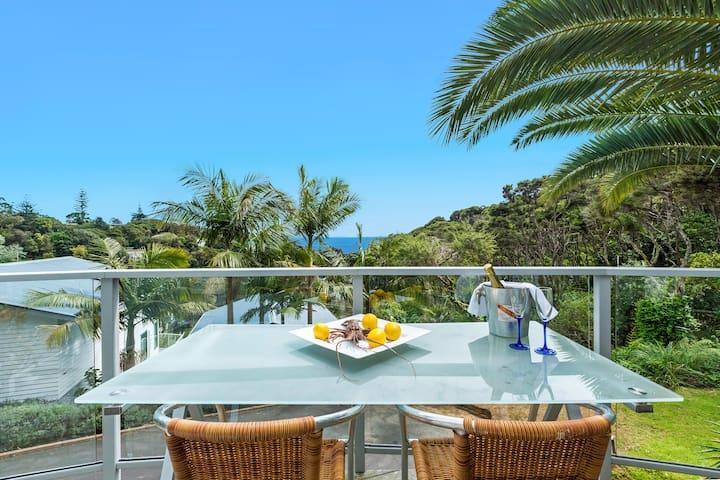 My Place - Pool, Spa, Bar, Views, Beach.