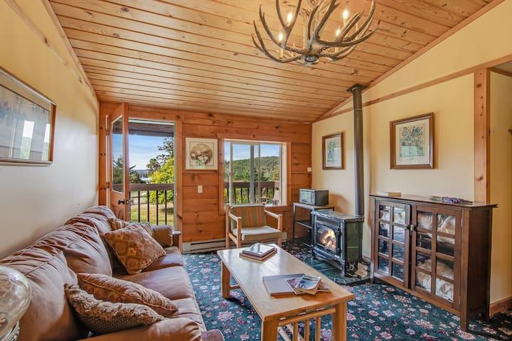 New listing! Quaint room at the inn w/ shared grill area - walk to marina/beach!