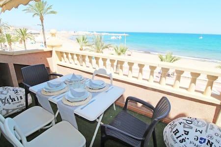 Luxury 2 floors penthouse. Seaview. 1st beach line