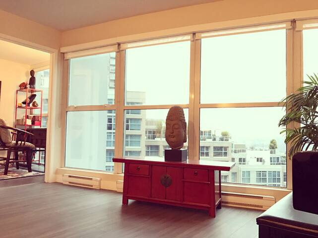 Yaletown One Bedroom with Den plus awesome view - Vancouver - Osakehuoneisto
