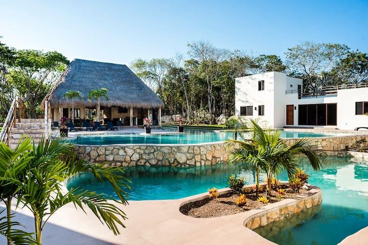 ENDLESS Luxury! 3-Villa Estate w/ Pool Oasis ✭✭✭✭✭