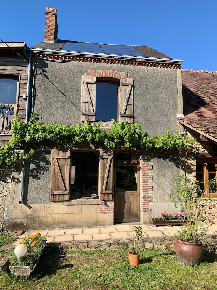 Cosy 2 Bedroom House in quiet Creuse countryside.