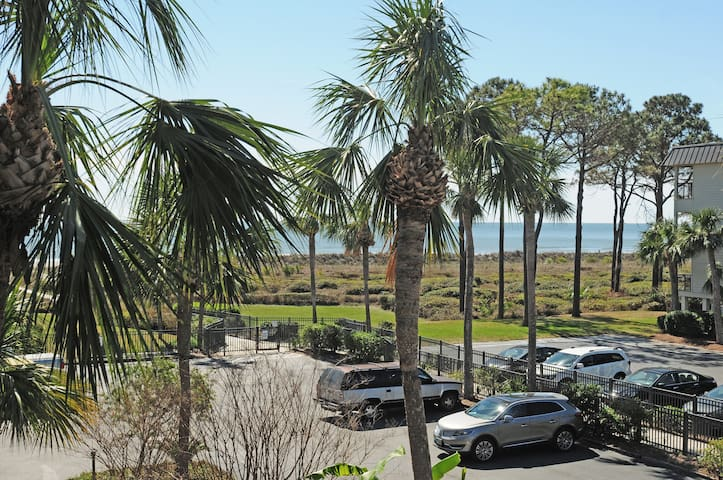 Beautiful Ocean View Condo - Hilton Head Island