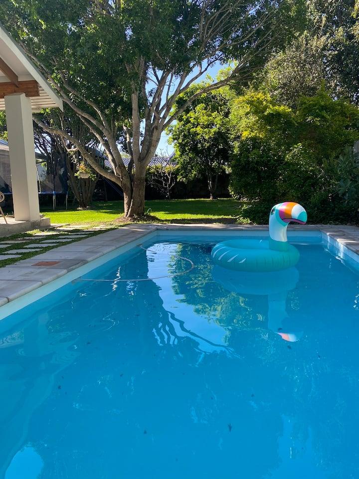 Stellenbosch Family Home: beautiful pool & garden