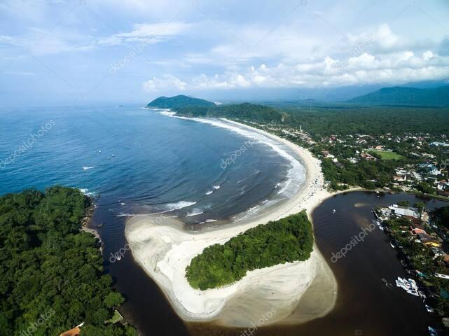 Praia de Barra do Una, considerada a praia mais linda do litoral norte! Dá para entender por que!!!