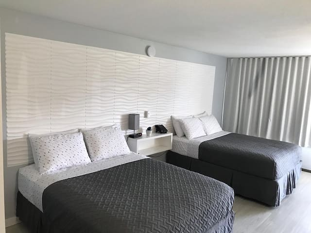 Orlando Vacations Rooms for 4 people Disney 236