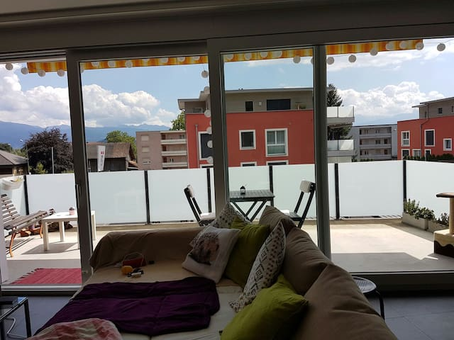 Schönes Zimmer in moderner Wohnung - altstätten sg - Departamento