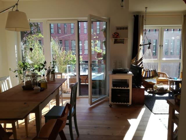 Große, neue Wohnung in Uhlenhorst / Kanalblick