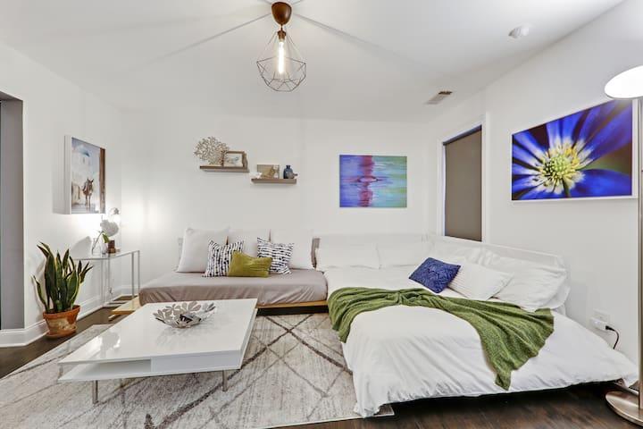 Contemporary Suite in Trendy Atlanta Neighborhood
