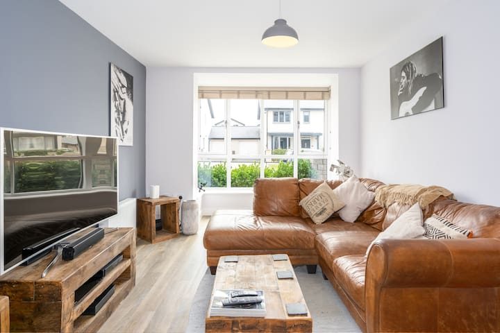Lam Brook House – 2 bed w/free parking + garden