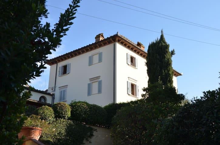 """Villa Mocarello """" IL LECCIO"""" - Poggibonsi - Apartament"""