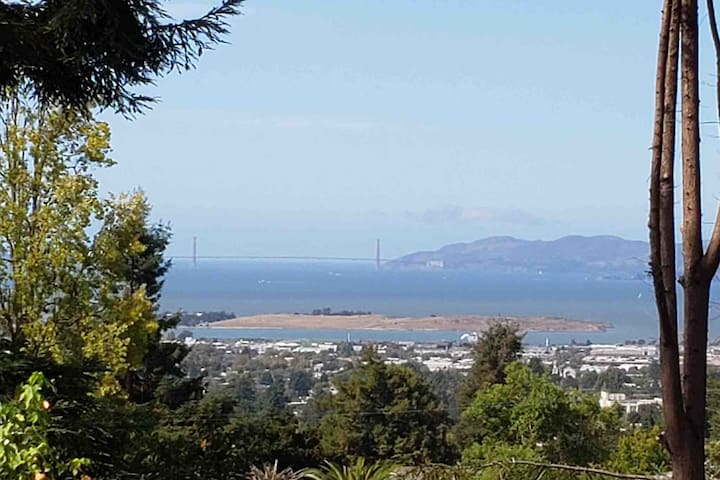 Completely UPDATED 2Bd w/ BAY VIEWS!