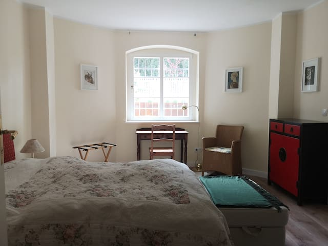 Einliegerwohnung / Granny flat in Dahlem Villa