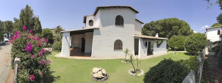 Villa in Sardegna costa tra Cagliari e Villasimius