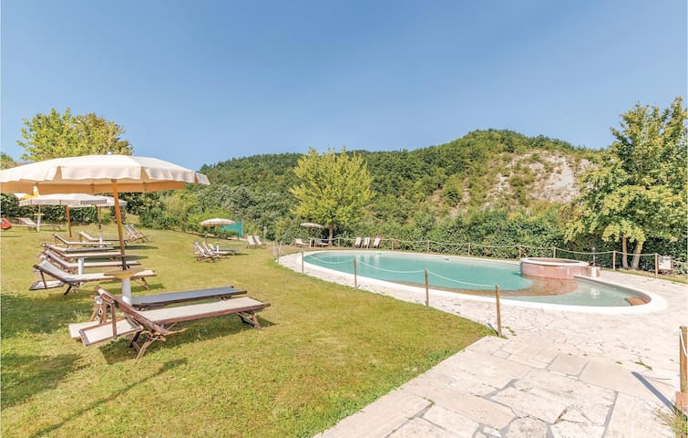 Holiday apartment with 2 bedrooms on 65m² in Apecchio PU