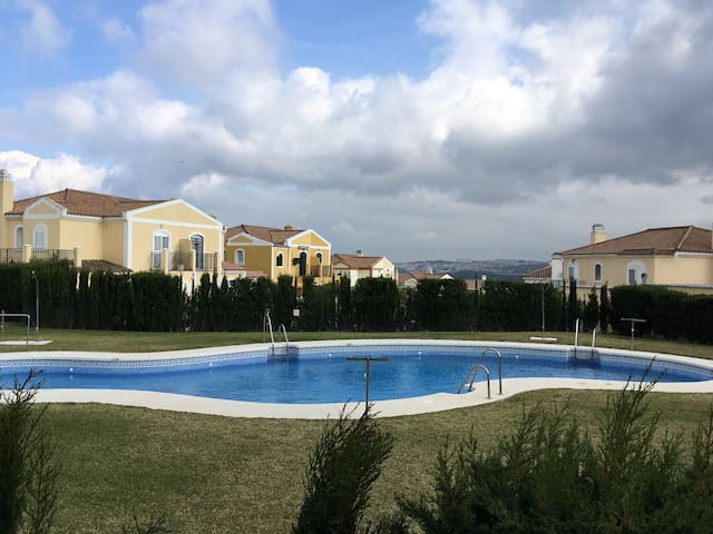 Beautiful semi detached house - Los Barrios - Talo