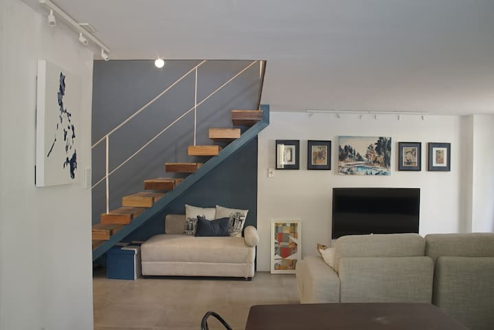 Instagramable Modern Loft in Bonifacio Global City