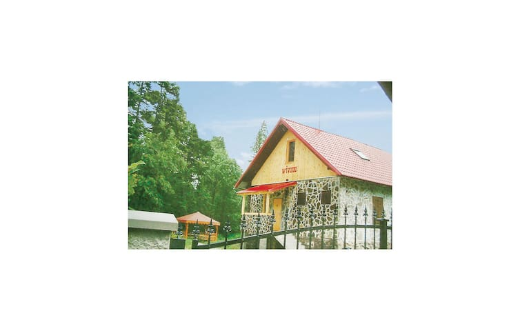 Holiday cottage with 4 bedrooms on 188m² in Tatranská Kotlina