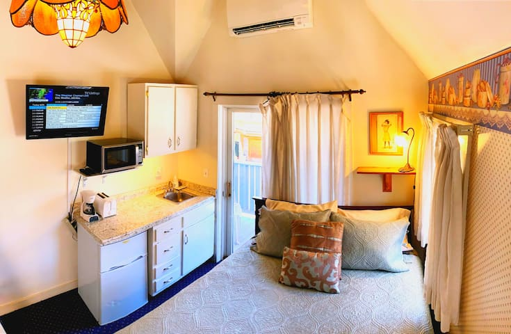 Snow Queen Lodge: Aspen Belle Suite