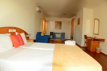 Suites com vista mar e varanda - Pataias - Bed & Breakfast