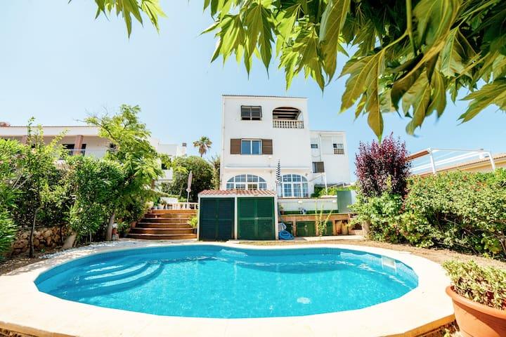 Villa en primera linea de mar con piscina i jacuz#