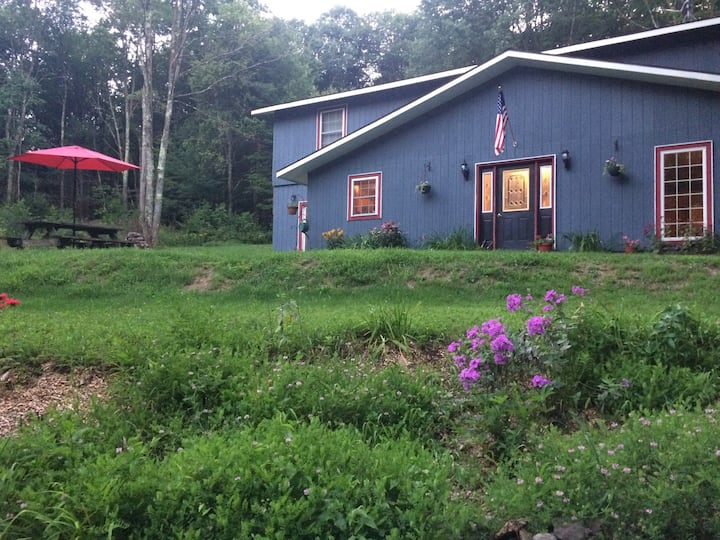 Bailey's Creekside Lodge: A great vacation home